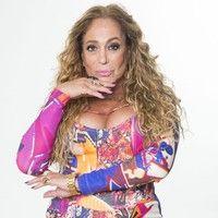 Aos 73 anos, Susana Vieira comemora figurino justo à la Beyoncé e Tati Quebra Barraco