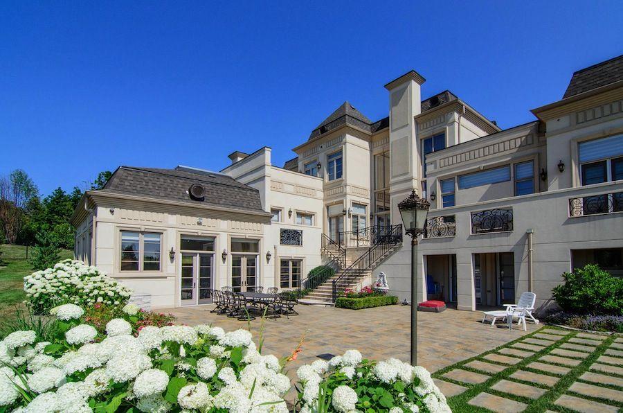 Mansion dream house: Prestigious Woodland Acres – 73 Quail Run Boulevard, Vaughan, Ontario, Canada #mansion #dreamhome #dream #luxury http://mansion-homes.com/dream/73-quail-run-boulevard-vaughan-ontario-canada/