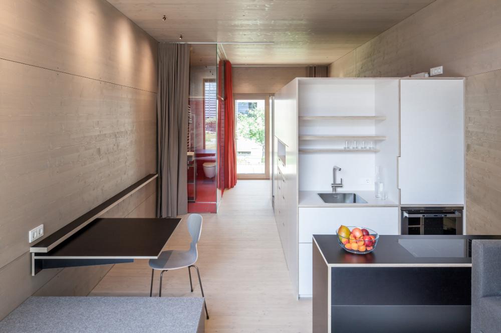 K33 Micro Living Bezau Kaufmann Zimmerei Tischlerei Holzmodulbau In 2020 Micro Apartment Wohnen Zimmerei