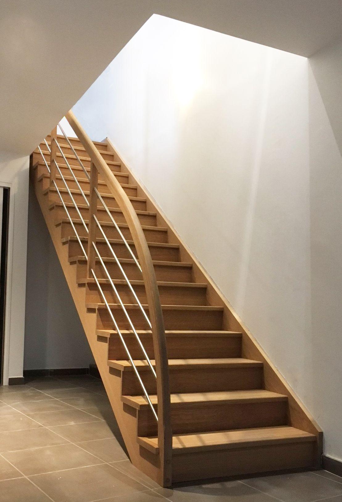 Escalier Droit En Bois Massif Contemporain Avec Main
