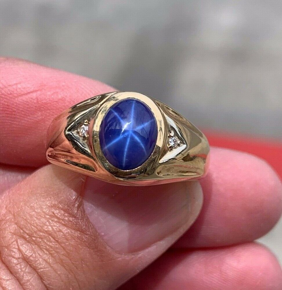 Vintage 14k yellow Gold Star Sapphire Men's Ring accented