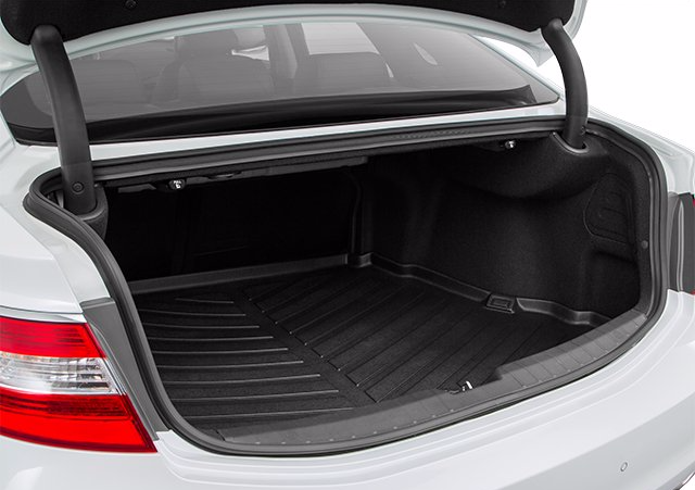 The Hyundai Azera S Trunk Has Over 16 Cubic Feet And Is Large Enough To Hold Everything From Groceries To Suitcases To Sporting Gear Azera Cubic Foot Hyundai