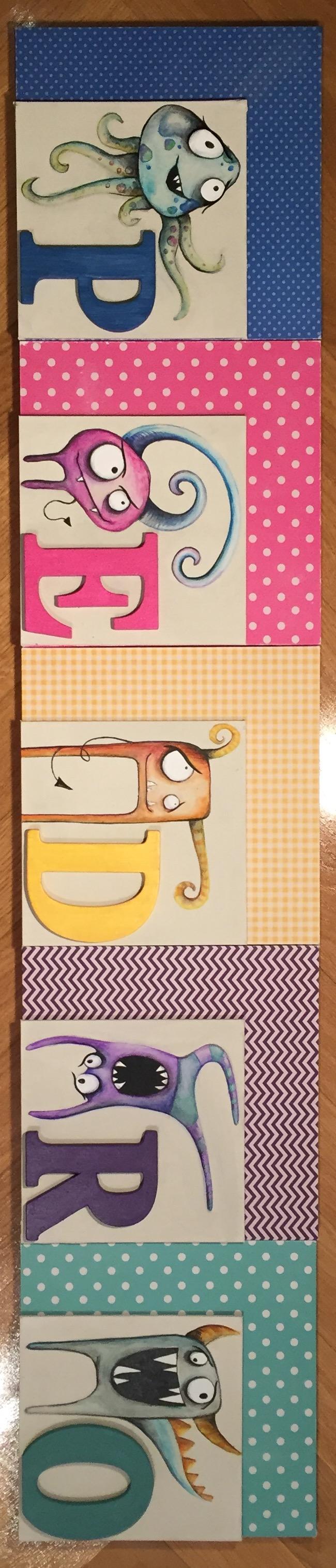 Cartel nombre niño. Decoración infantil. Por encargo.  15€ por letra aprox. Personalizable. Tamaño 20x20cm por letra. Tablero y cartón forrado papel.