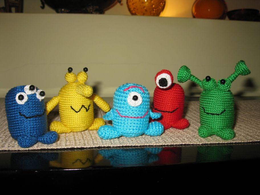 Aliens with Kinder plastic eggs