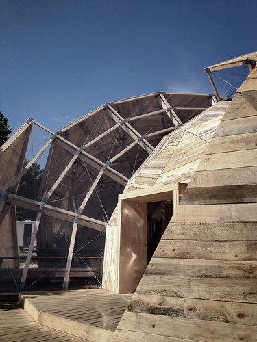 Acabamento externo paredes em madeira