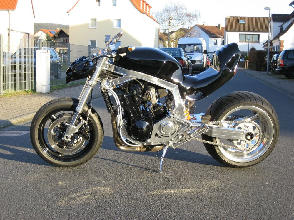 pieces moto suzuki 1100 gsxr id e d 39 image de moto. Black Bedroom Furniture Sets. Home Design Ideas