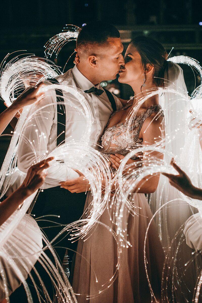 Lichterhochzeitsdeko 30 atemberaubende hochzeitsfotos in