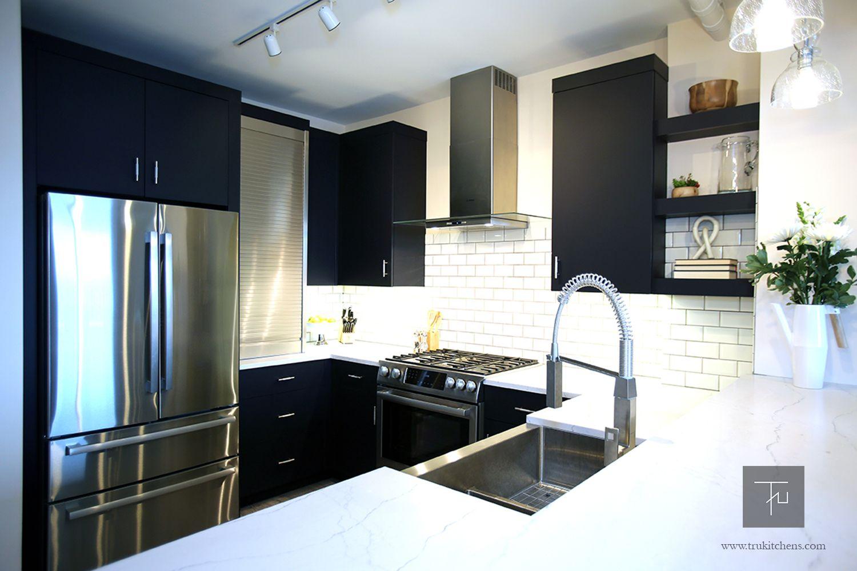 Shiloh Eclipse Frameless Cabinetry In Nocturne Bosch French Door Refrigerator Bosch Diswashe Transitional Kitchen Design Custom Kitchens Design Kitchen Design