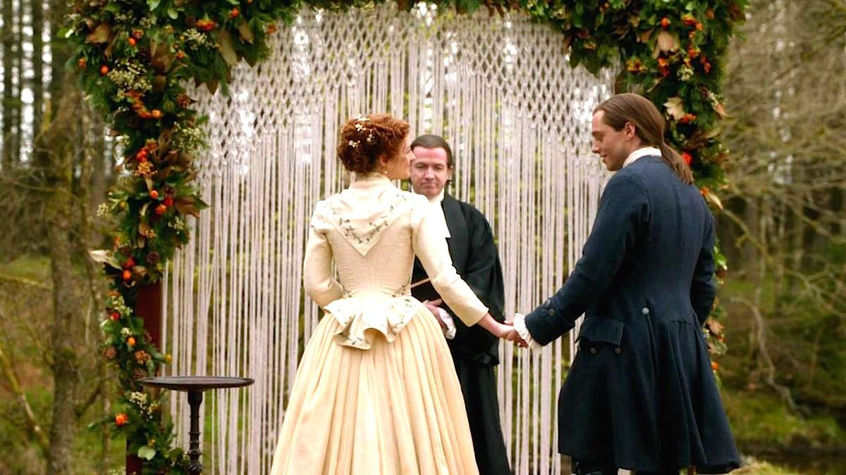 Outlander Season 5 Big House On The Ridge Linda Merrill Outlander Wedding Modest Wedding Dresses Outlander