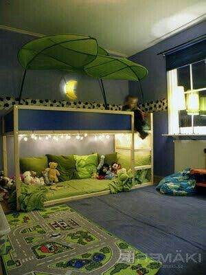 Jungle bed with a sitting area on the bottom Cool bunk