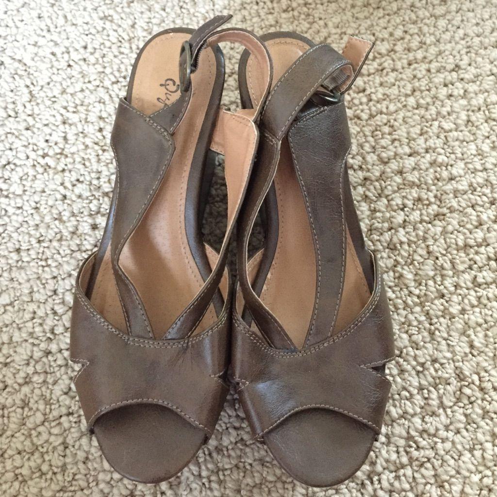 Qupid Platform Sandals