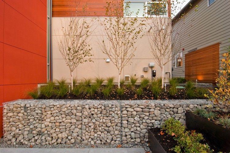 Mur En Gabion Comme Un Element Decoratif Dans Le Jardin