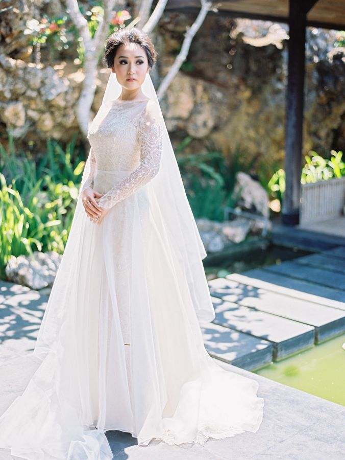 3c565b993494f 32 Winter Wedding Dresses Perfect For A Cold Day | Wedding dresses ...