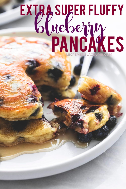 Extra Super Fluffy Blueberry Pancakes | Creme De La Crumb