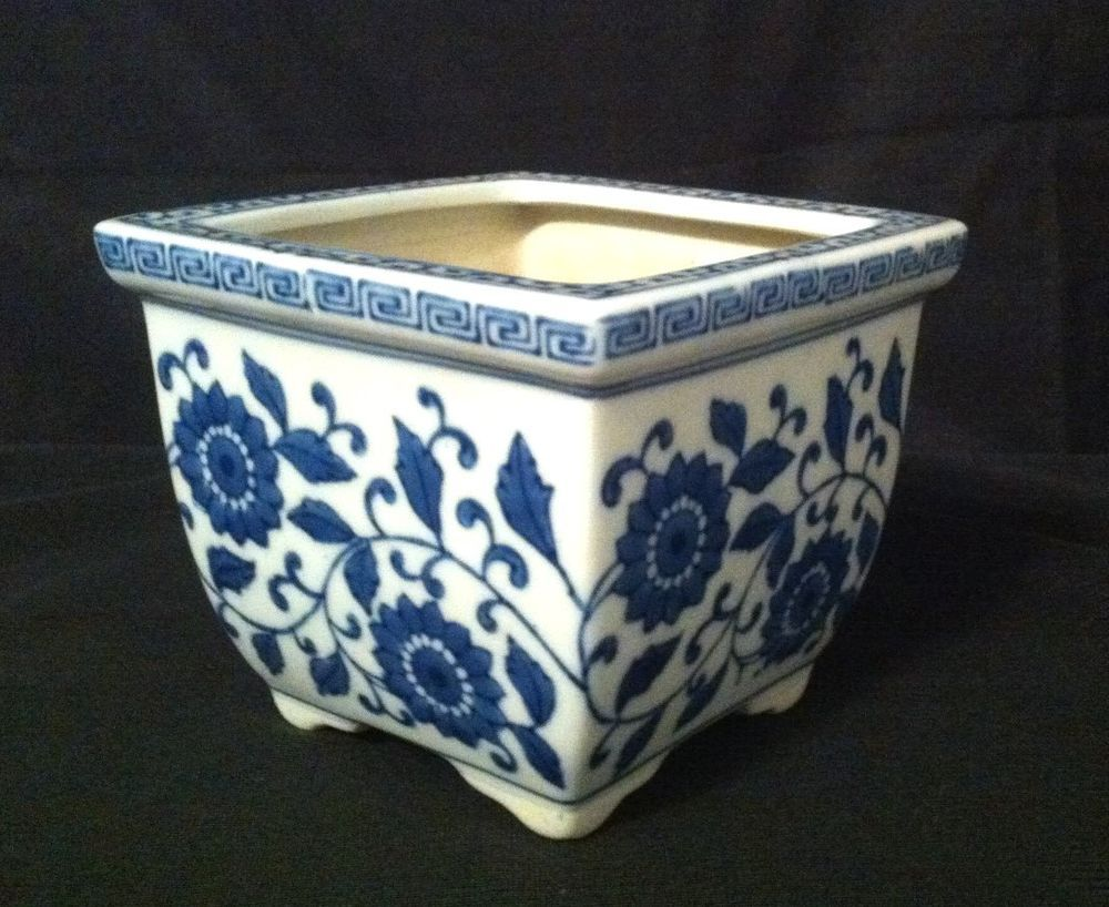 White Blue Square Flower Planter 4 With Floral Motif 400 x 300