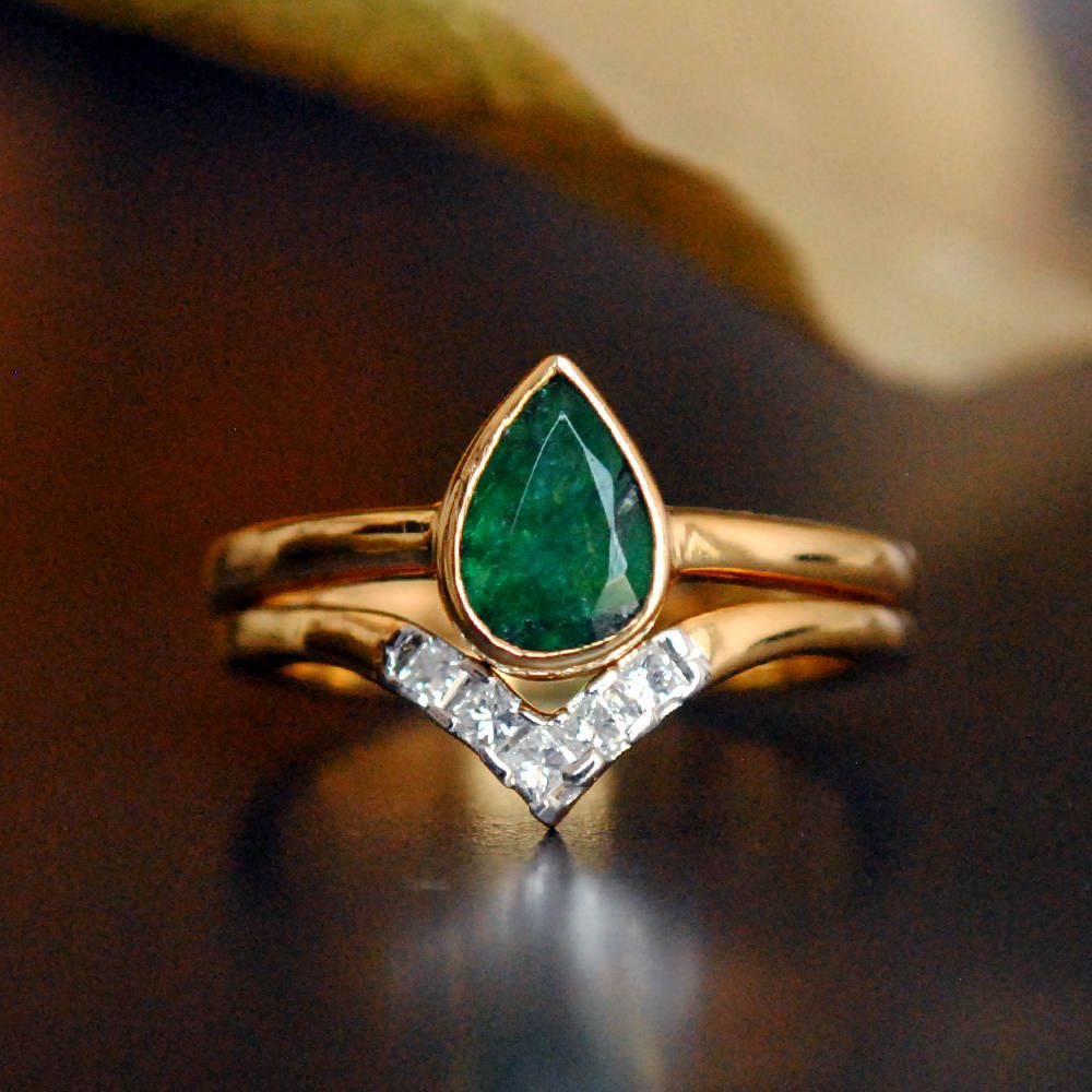Emerald Engagement Ring Set Pear Emerald Yellow Gold Bridal Engagement Ring Princess Diamond Chevron V Wedding Band Gemstone Wedding Set Engagement Rings Diamond Engagement Rings Engagement Rings Princess