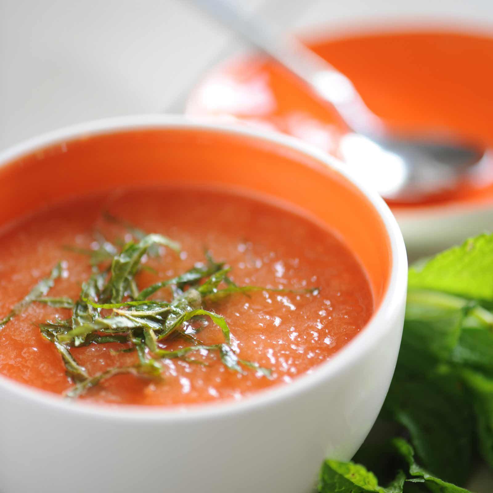 Découvrez la recette Soupe de melon au muscat sur cuisineactuelle.fr.