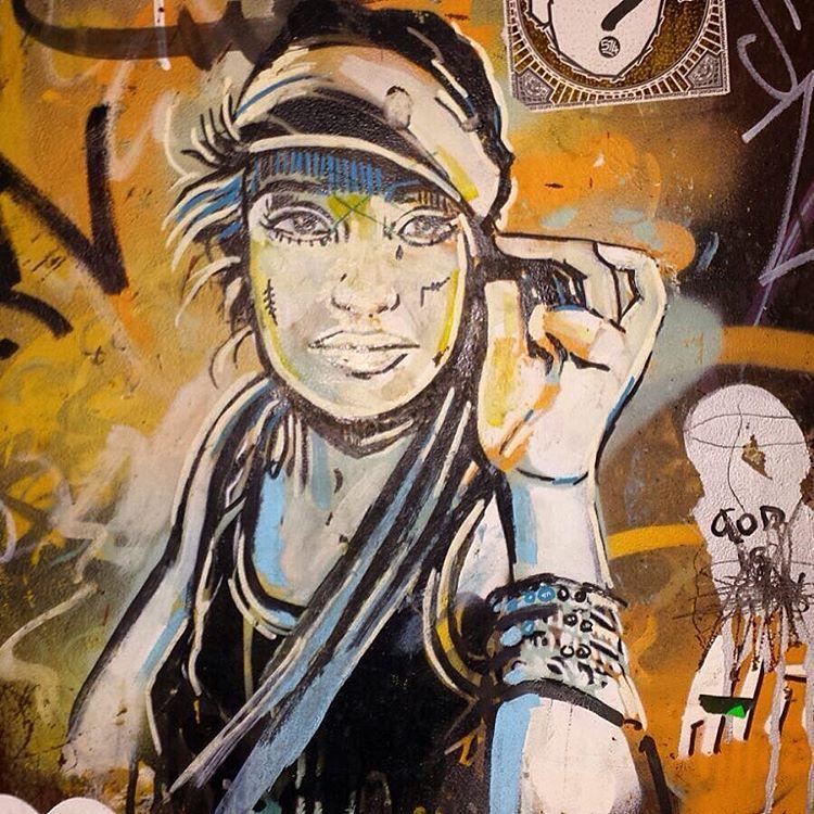 #alicepasquini #rome #graffiti #streetartandgraffiti #streetart #urbanart #latergram #streetphotography