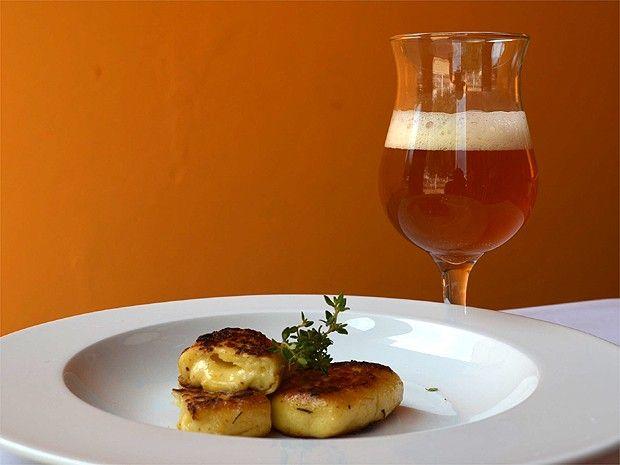 Degustar pratos acompanhados de Cerveja Artesanal propicia novos sabores