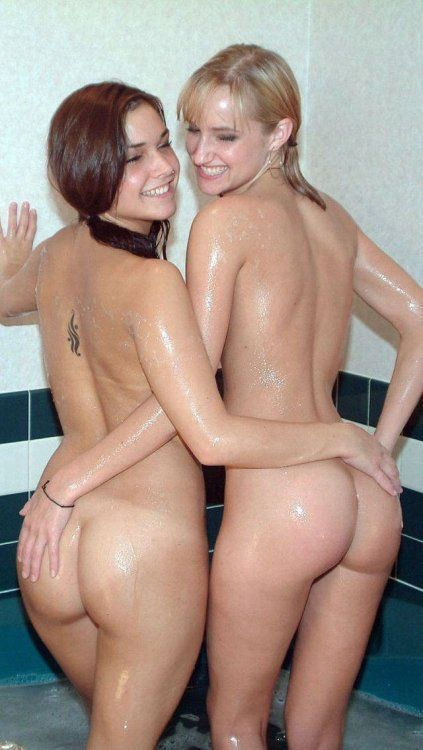 Nude mexican girls pissing