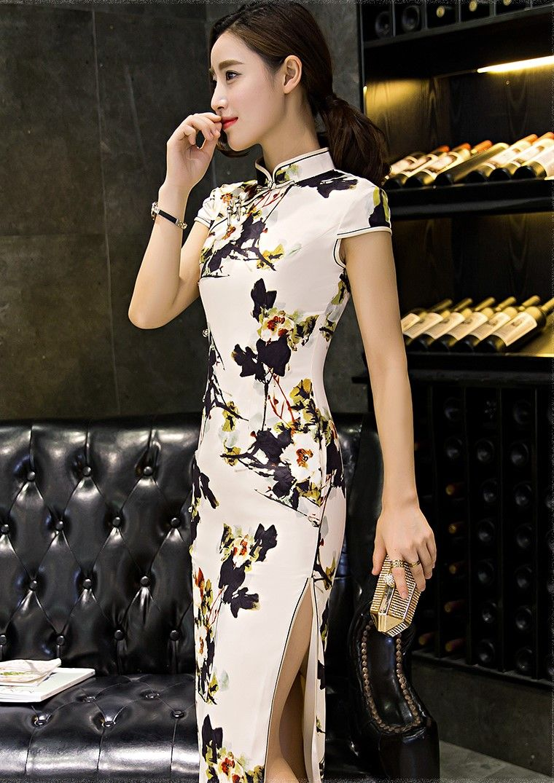 Cheongsam Qipao Long Dress Chinese Dress Www Urclothingstyle Com Traditional Chinese Dress Chinese Dresses Qipao Chinese Dress [ 1075 x 760 Pixel ]