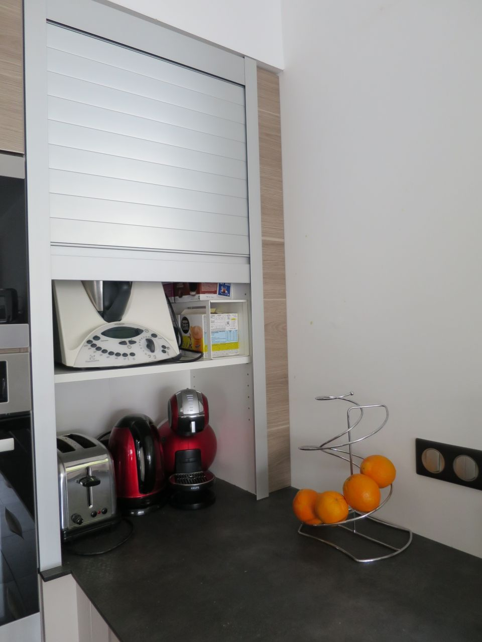 meuble jalousie il tait une fois par garanceisa sur cuisine. Black Bedroom Furniture Sets. Home Design Ideas