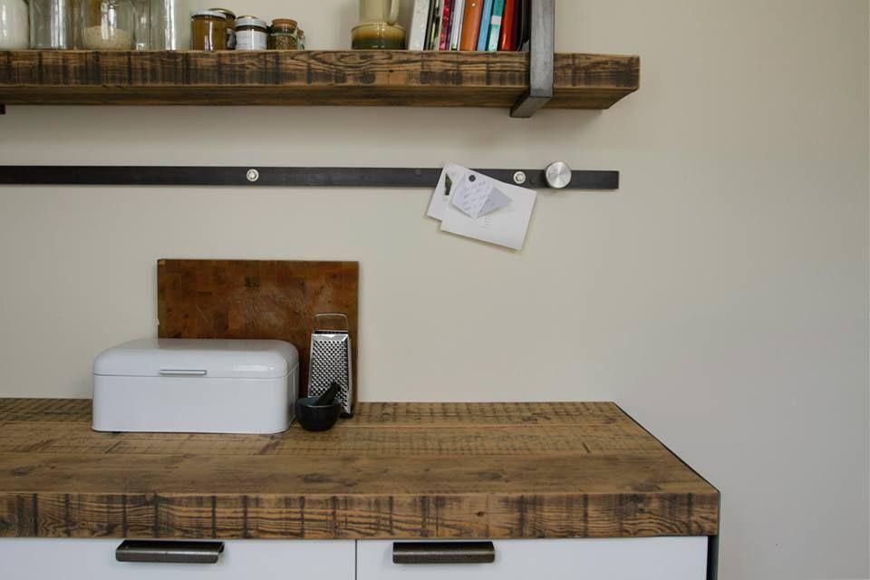Uniek en betaalbaar industri le keuken met een blad van for Keuken van sloophout