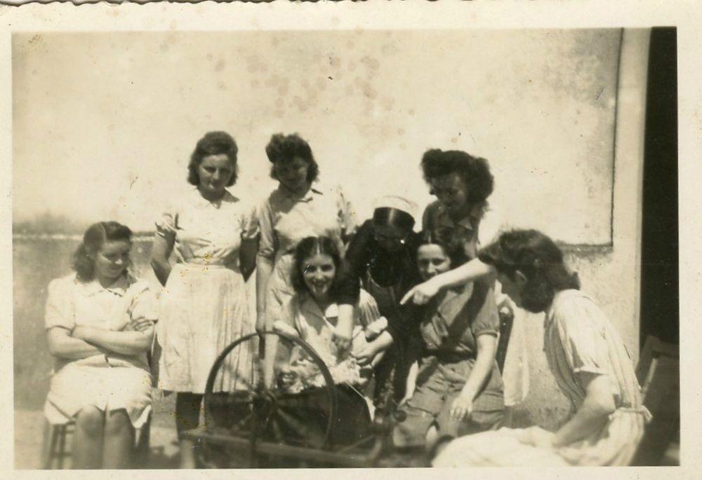 Photo+ancienne+vintage+snapshot+groupe+femme+woman+fileuse+1935