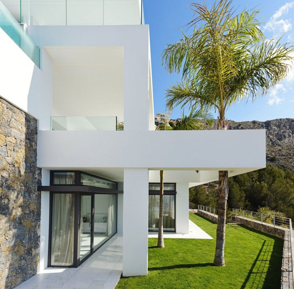 Stone Luxury Home Designs: Modern Luxury Villa Exterior With Natural Stone Veneer