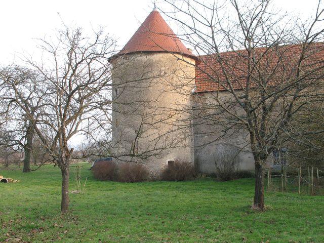 Château de Saint-Mauris►►http://www.frenchchateau.net/chateaux-of-bourgogne/chateau-de-saint-mauris.html?i=p