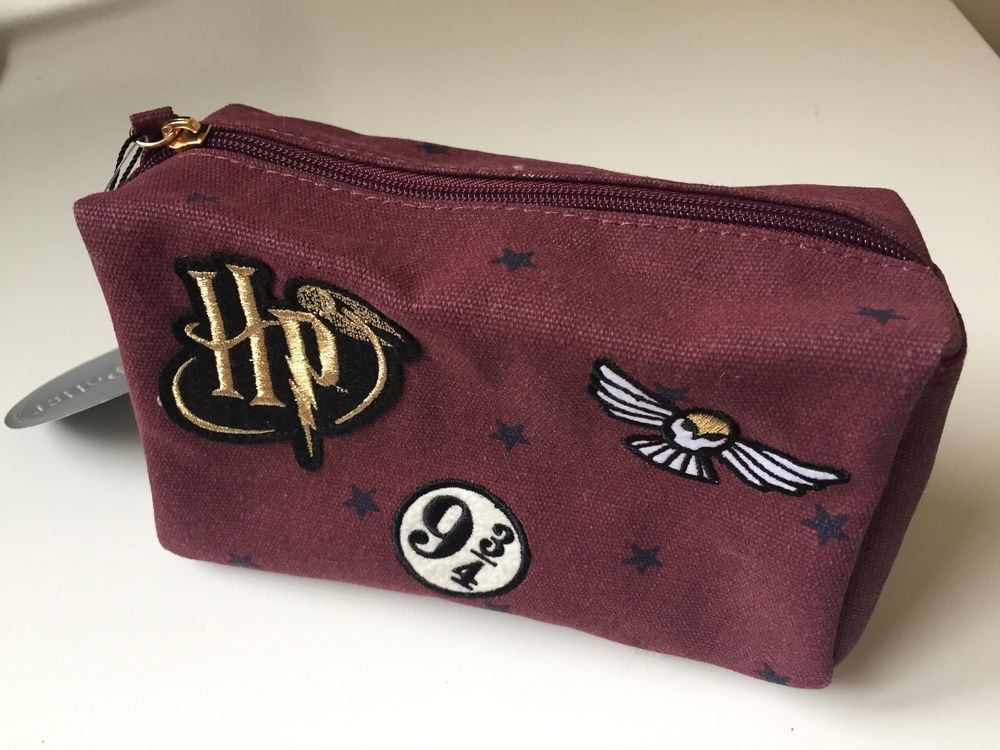 From Uk Bnwt Primark Harry Potter Hedwig 9 3 4 Makeup Bag Or Pencil Case Harry Potter Hedwig Harry Potter Accessories Harry Potter Makeup