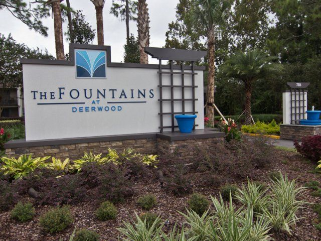 The Fountains At Deerwood Jacksonville Fl Peoplewithpets Com No Breed Restrictions Or Weight Limits Fountains Pet Friendly Apartments Jacksonville