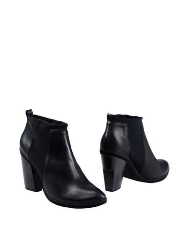Ankle Boot Master&Muse X Coclico Women on YOOX.COM. The best online selection of Ankle Boots Master&Muse X Coclico. YOOX.COM exclusive items of Italian and international designers - Secure payments