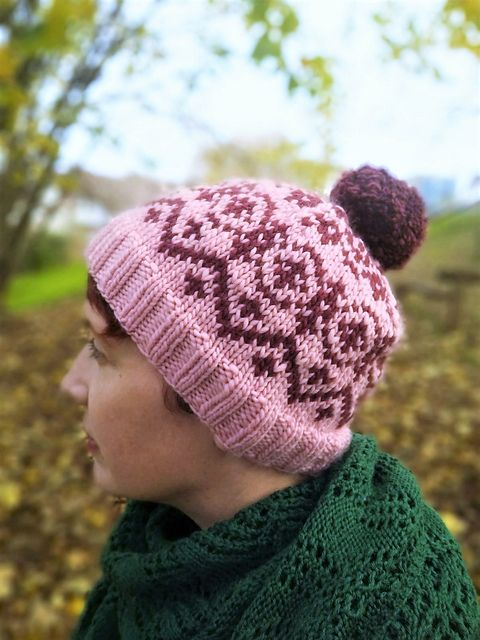 Montana hat pattern by Rosee Woodland