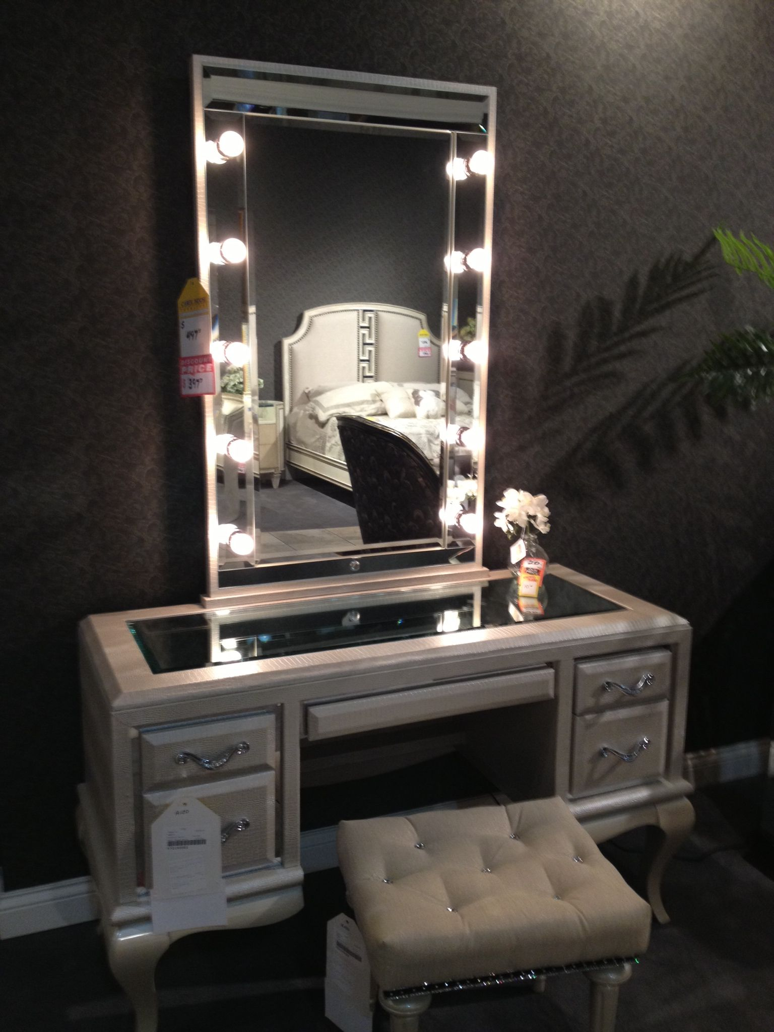 Large Dressing Table Mirror With Lights