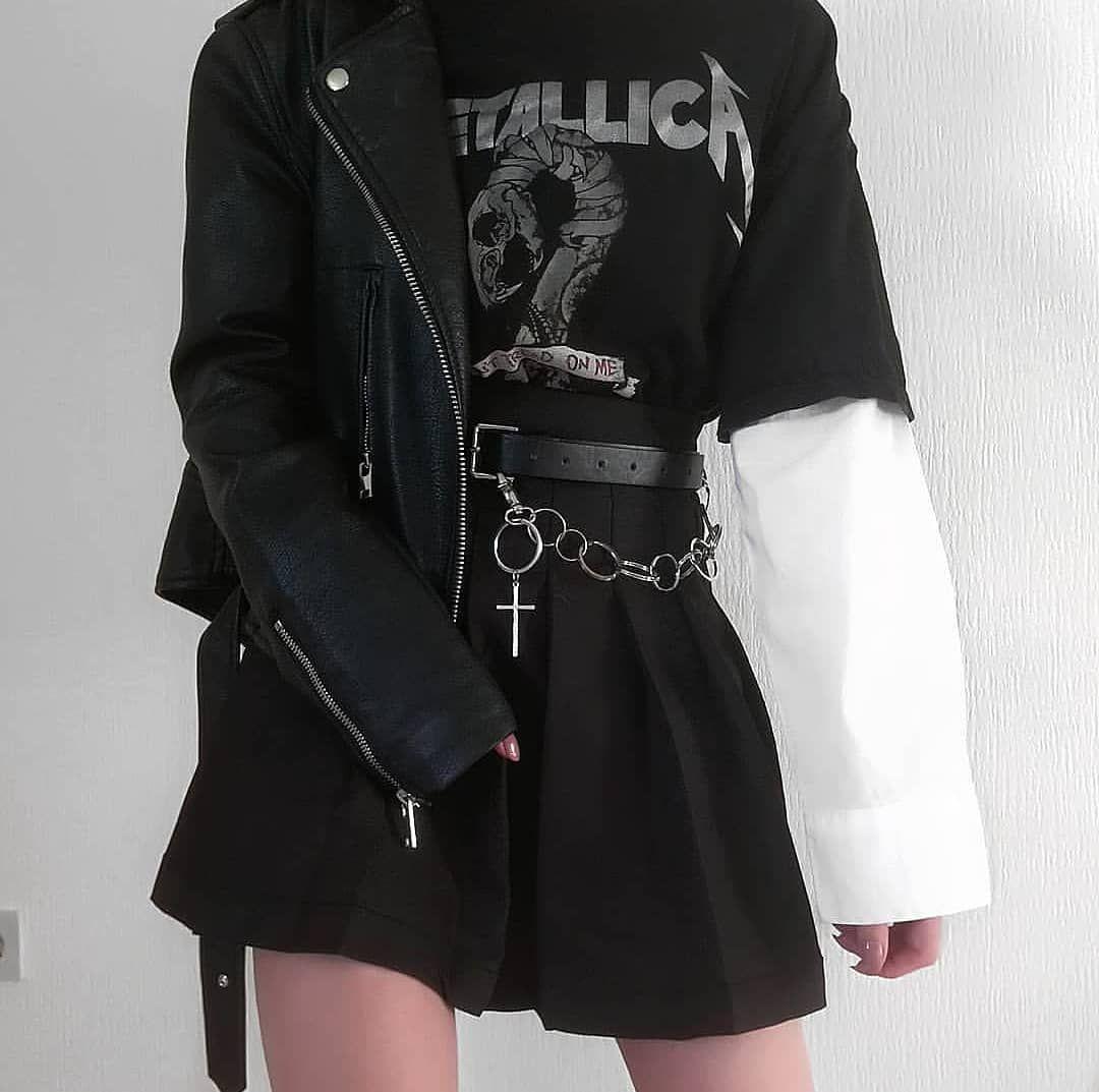 """grunge outfits on Instagram: """"1 or 2 ? 🥀 #grunge #softgrunge #grungeaccount #grungetheme #rock #grungeblog #grungestyle #rockstyle #stylegrunge #stylerock #modegrunge…"""""""