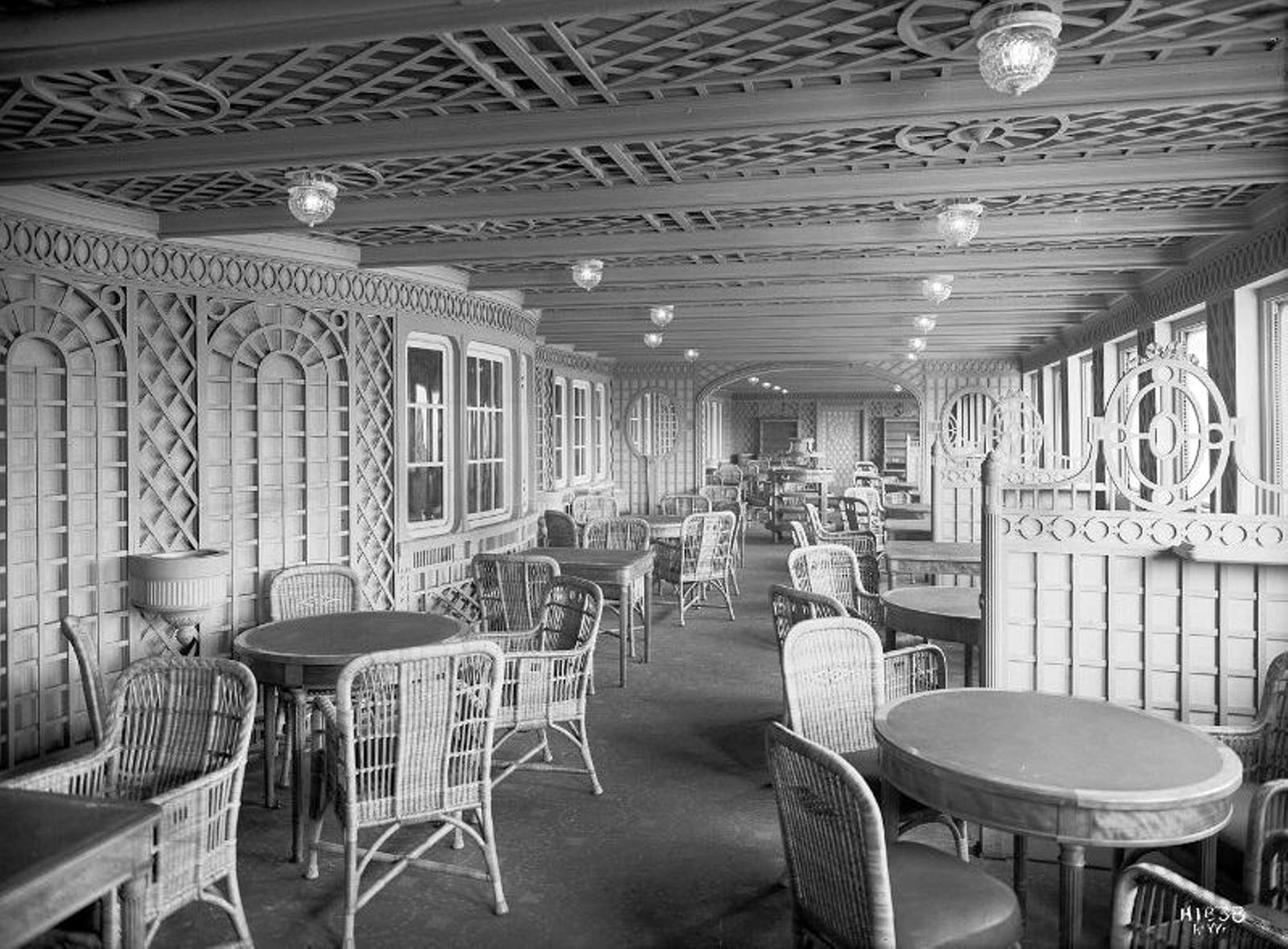 the cafe parisien beside the a la carte restaurant, originally ...