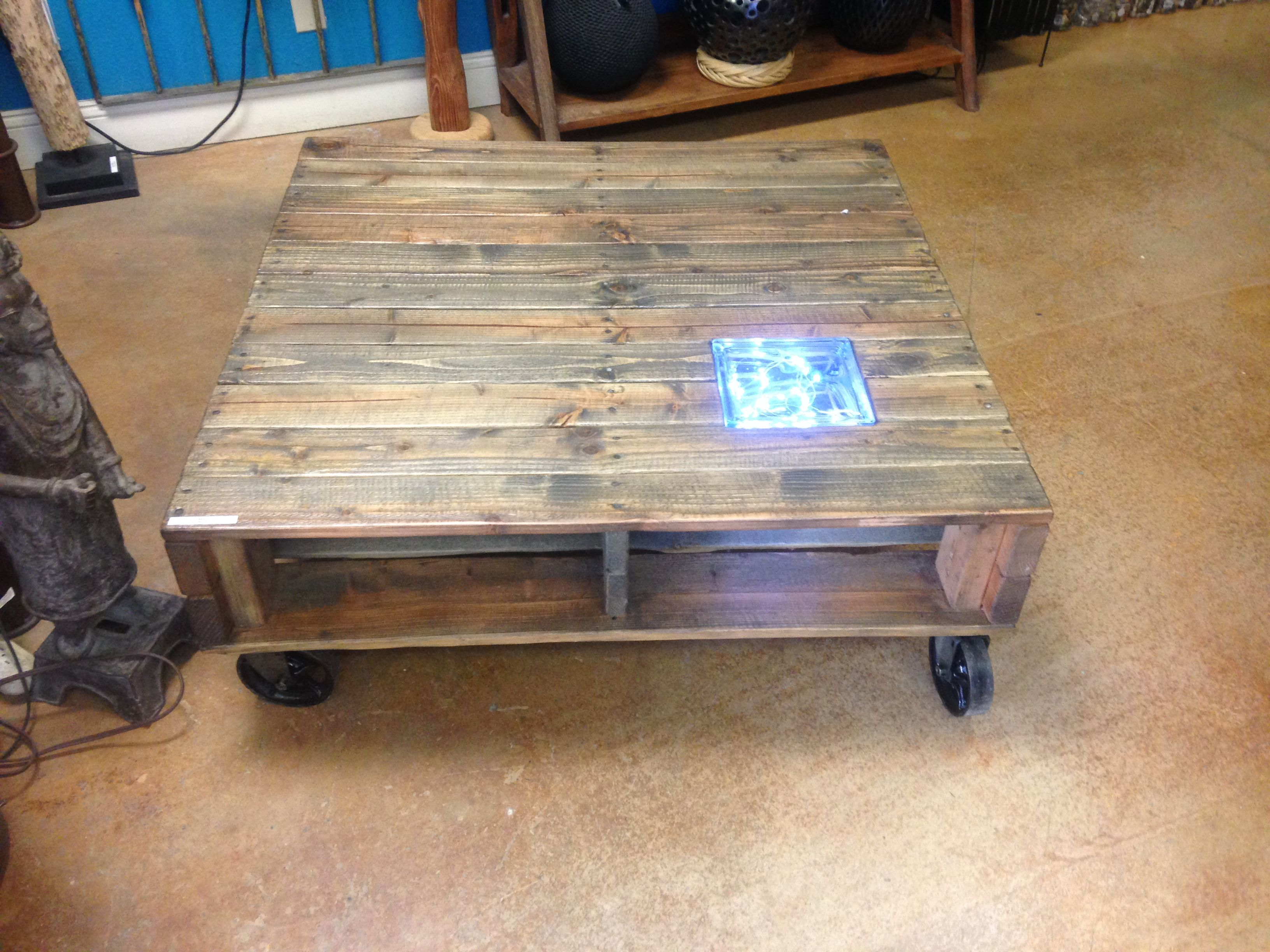 DOUBLE PALLET TABLE W GLASS BLOCK LIGHT ONLY AT MICANOHOME