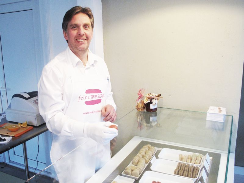 Peter Eckerlin in seiner Macaron-Boutique in Hamburg Bergedorf  #feineMacarons #macarons #bergedorf