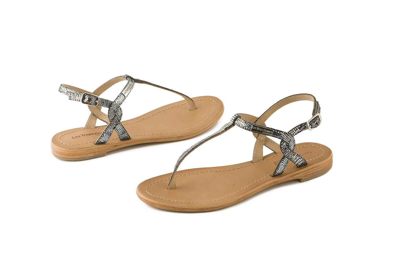 Sandalo Les Tropeziennes Hamess in vera pelle nera. Black leather sandal.  www.calzaveste.it   Sandali Les Tropeziennes   Black leather sandals, ... dd261214c252
