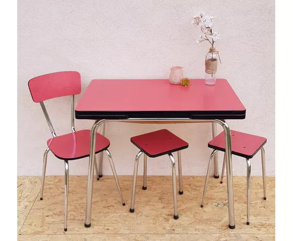 Table Formica Rouge Avec Chaise Et Tabourets Selency Table Formica Table Tabouret
