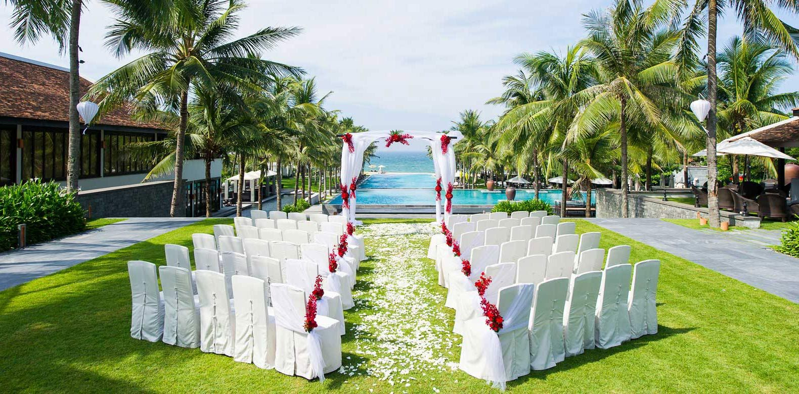 bulk satin chair covers white swing get a cover for your outdoor wedding in party fuzzy fabric supply spandex various size of chairs at