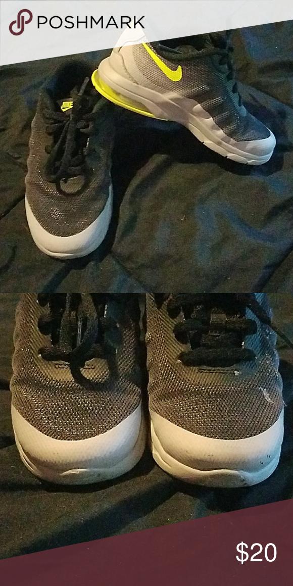 Nike size 9C boys sneakers