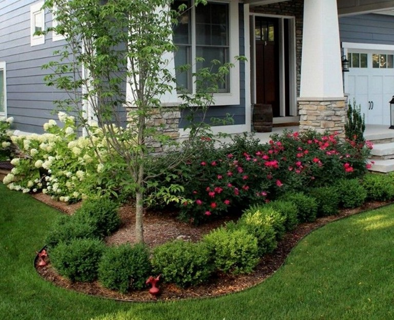 35 Inspiring Front Yard Landscaping Ideas For Your Home Front Yard Landscaping Design Front House Landscaping Porch Landscaping