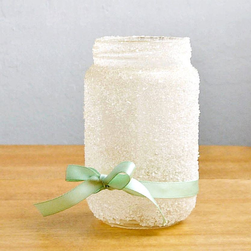 Pretty DIY Epsom Salts Jar: Need a quick gift that really leaves an impression?