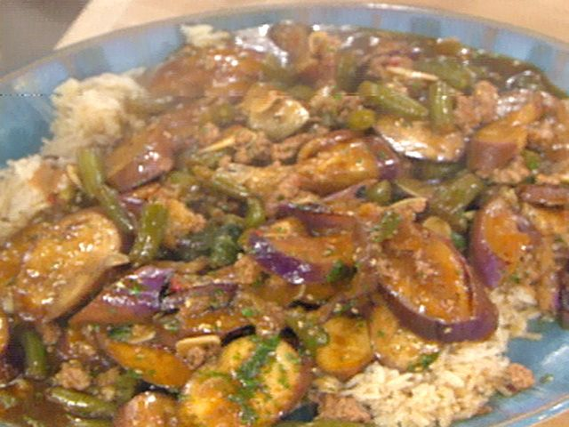 Eggplant and green beans in spicy garlic sauce recipe emeril eggplant and green beans in spicy garlic sauce recipe emeril lagasse food network forumfinder Images