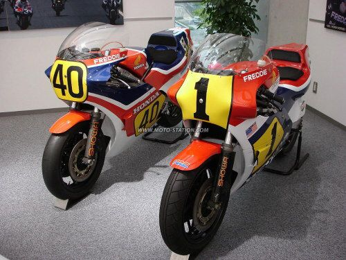 Image issue du site Web http://www.moto-station.com/ttesimages/motodivers/Honda_NSR500_stpz.jpg