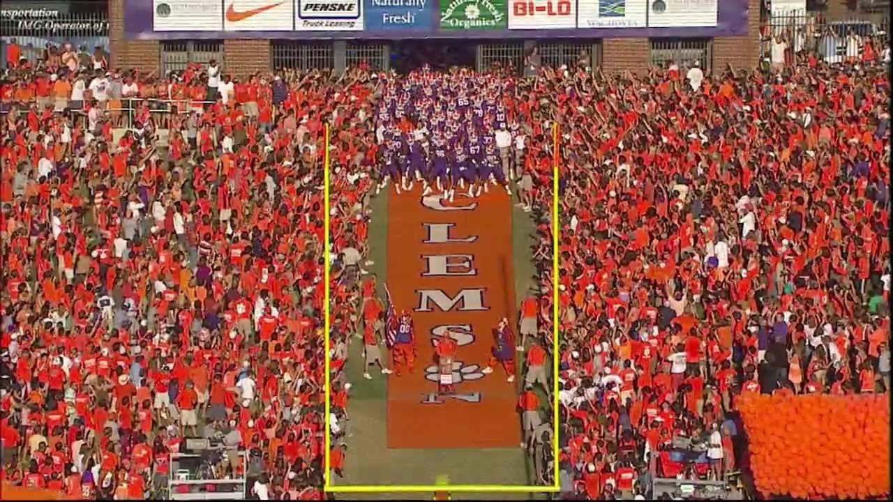Clemson Coed Cheerleaders College Cheer College Cheerleading Clemson