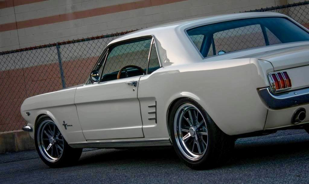 Mustang T5 Coupe © Aceswild66 Mustang cars, Ford classic