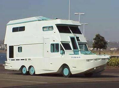 Can't decide if you'd rather be boating or RVing?  Here's the solution. #weirdRVs